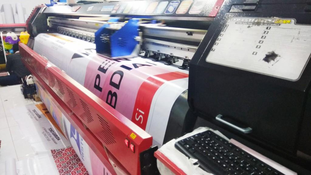 mesin cetak spanduk, mesin cetak, cetak spanduk murah, cetak spanduk surabaya, cetak spanduk cepat, cetak spanduk bagus, cetak spanduk outdoor, cetak spanduk vinyl, cetak banner, cetak billboard, cetak baliho, harga cetak spanduk, ukuran spanduk, digital printing surabaya, percetakan surabaya, percetakan offset surabaya, pixel print